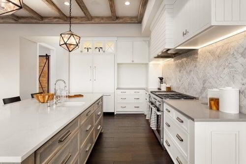 Fliser til udsmykning af dit køkken