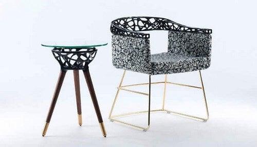 Bord og stol af designstudioet, Rio