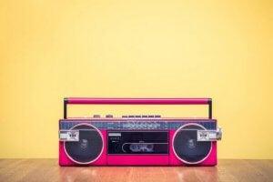 moderne radio med inspiration fra før