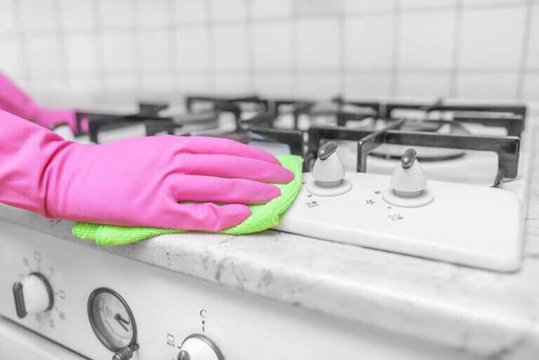 rengøring efter din ferie i køkkenet