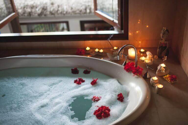 badekar med blomster