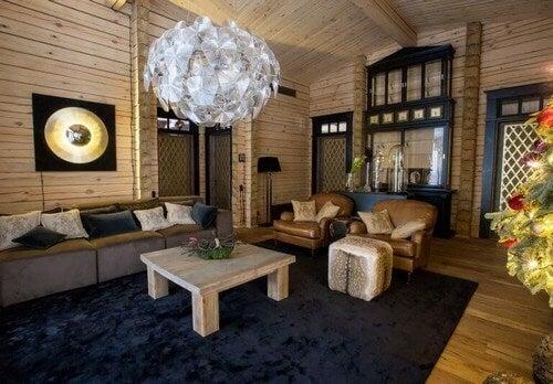 Rustik stue med trægulve