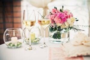 blomster er ikke til at undvære på bordet som fin borddekorationer