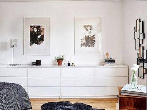 Enkle kommoder i soveværelset