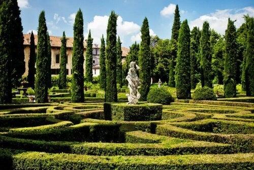 Italiensk eller fransk have? Sådan får du stilen