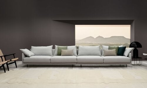 Senso-sofaen er en større sofa til 4 personer
