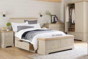 du kan spare plads ved at opbevare ting under din seng
