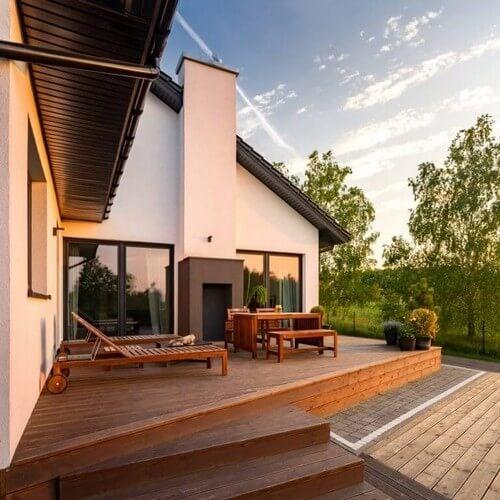 Stor veranda med masser af plads