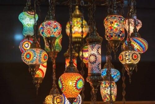 Tiffany-lamper er meget farverige vintagelamper