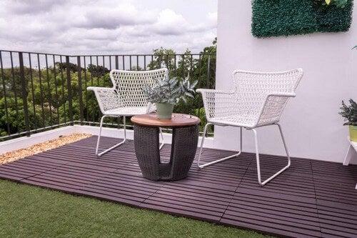 Brug planter til udsmykning af din veranda
