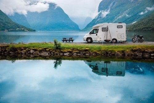 Indretning af en autocamper: 5 praktiske idéer
