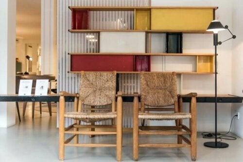 eksempler på nogle af charlotte perriands møbler