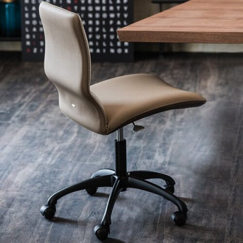 kontorstol med hjul