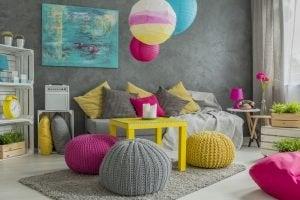 skarpe farver i stuen