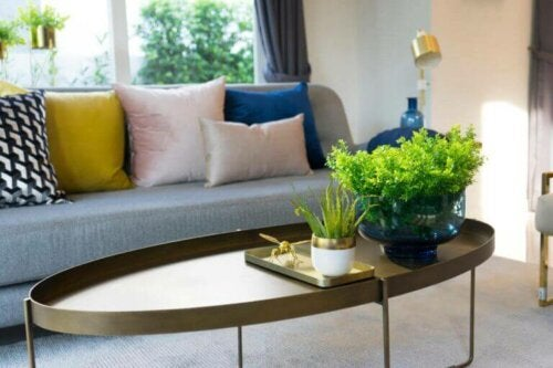 sofaborde fås i mange forskellige former og farver