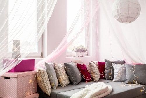 Baldakiner og gardiner til soveværelset