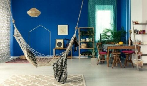 et eksempel på et værelse indrettet i en bohemestil