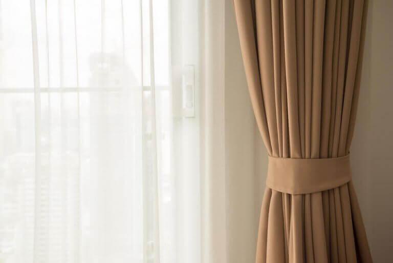 brug af to forskellige gardiner