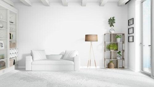 Hvilke dekorative puder passer til din hvide sofa?