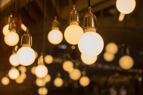 Gør-det-selv lamper: en original måde at indrette dit hjem