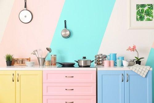 En farverig indretning ved hjælp af pastelfarver