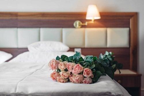 4 tips til at skabe den perfekte romantiske stemning