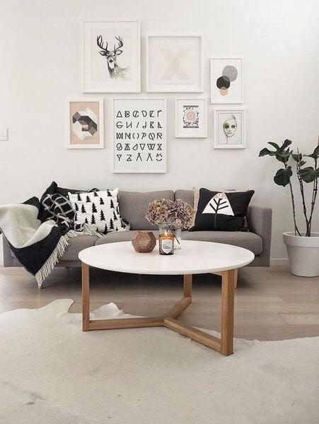 Stue indrettet i nordisk stil