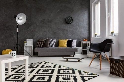 Sådan skaber du en elegant og sort indretning
