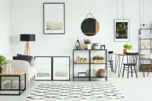 6 idéer til at dekorere din stue med spejle