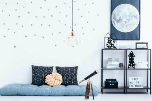 Ja eller nej til at hænge plakater op i soveværelset?