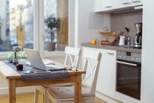 Skab et hyggeligt spiseområde i køkkenet