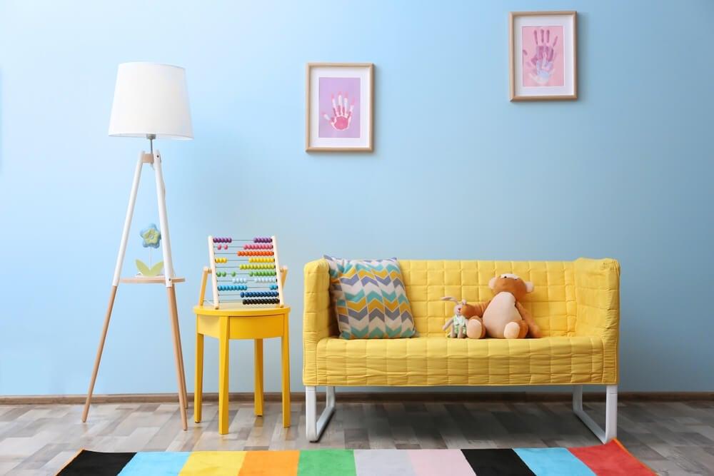 sofa på børneværelse