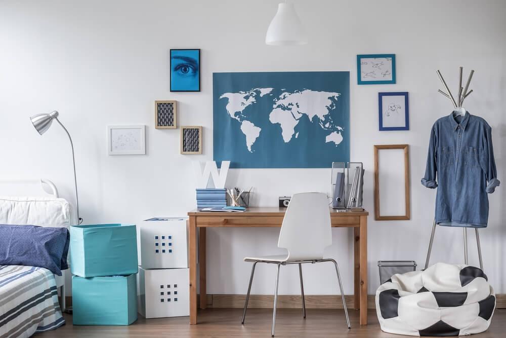 verdenskort på væg