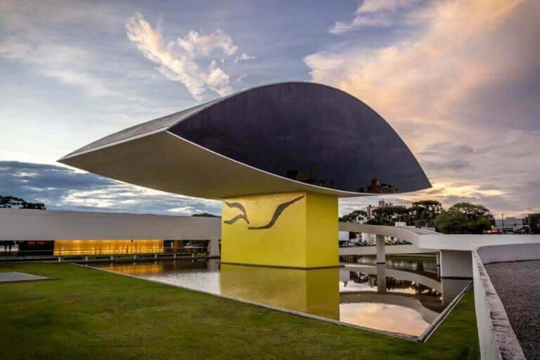 Oscar Niemeyer museet - Curitibas øje