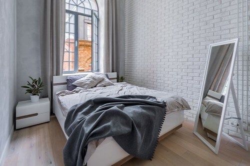 Murstensvægge: Skal de være hvide eller naturlige?