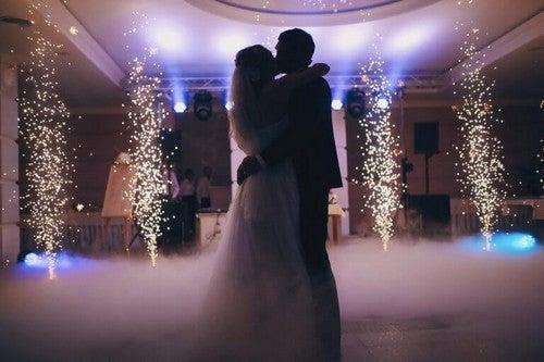 Sådan skaber du den perfekte bryllupsbelysning