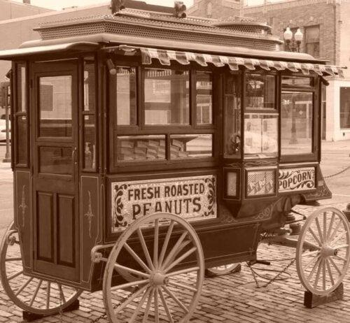 gammel bod der sælger nødder og popcorn