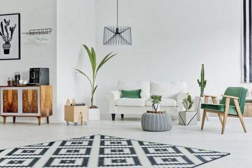 Stuetæppe med geometriske former