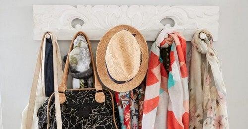 Tips til et påklædningsrum med genbrugsmaterialer