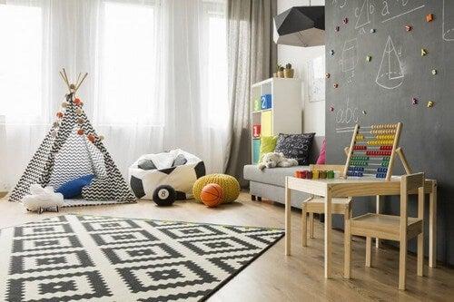 Børneværelse inddelt i forskellige områder