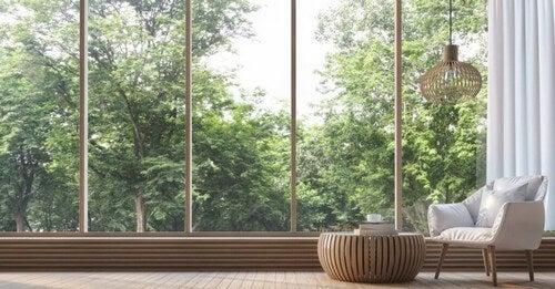 Sådan indretter du åbne områder i solrige lejligheder