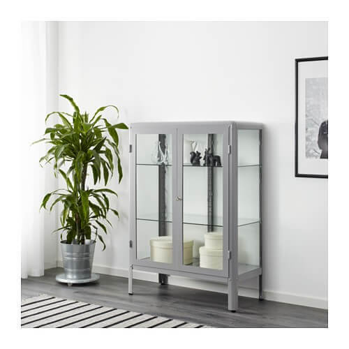 Metalkabinet med glas