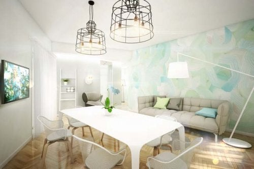 En lejlighed malet i pastelfarver.