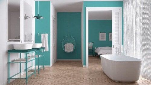 Skab smukke rammer med et turkis badeværelse