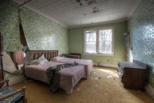 Ulemperne ved at lade et hus stå tomt i årevis