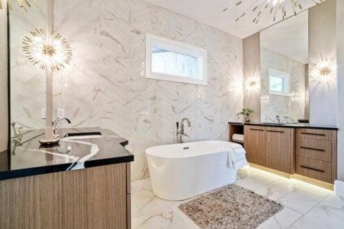 Sådan opnår du et luksuriøst badeværelse