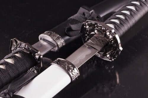 Antikke sværd til indretningen af din stue