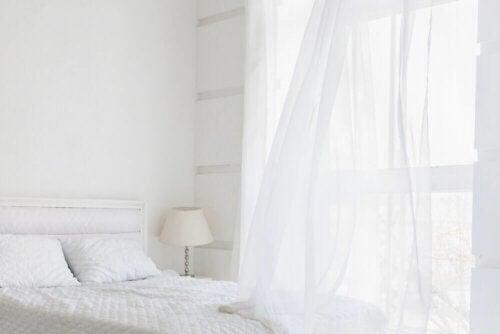 Et helt hvidt soveværelse