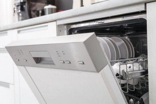 De mange fordele ved at bruge en opvaskemaskine