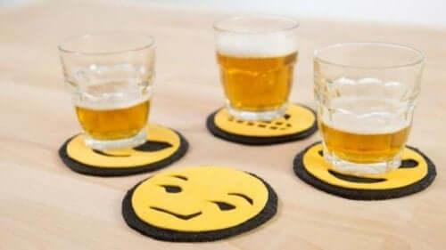 smileyer som bordskånere til glas